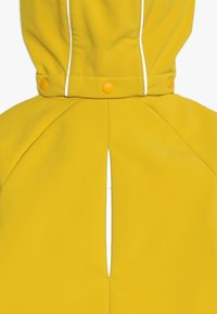 Didriksons - POGGIN KIDS JACKET - Soft shell jacket - oat yellow - 4