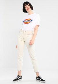 Dickies - HORSESHOE TEE - T-shirts print - white - 1