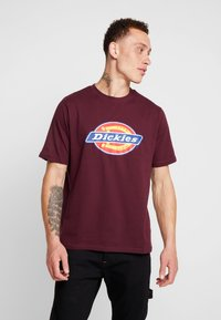 Dickies - HORSESHOE TEE - T-shirt imprimé - maroon - 0