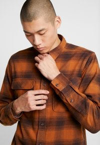 Dickies - WANETA SHIRT - Košile - brown duck - 3