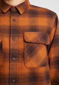 Dickies - WANETA SHIRT - Košile - brown duck - 5