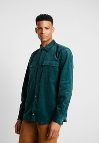 Dickies - IVEL - Shirt - forest - 0