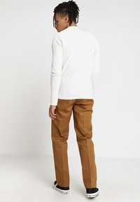 Dickies - 873 STRAIGHT WORK PANT - Pantaloni - brown duck - 2