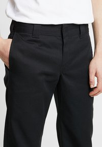 Dickies - 873 STRAIGHT WORK PANT - Pantalon classique - rinsed black - 3