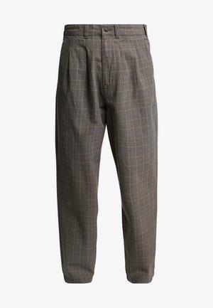 ARTEMUS - Pantalones chinos - dark brown