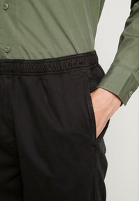 Dickies - SMITHTOWN - Tygbyxor - black - 4