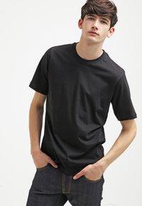 Dickies - 3 PACK - Jednoduché triko - schwarz/grau/weiß - 4