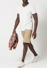 Dickies - SLIM STRAIGHT WORK - Shorts - khaki - 0