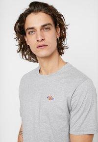 Dickies - STOCKDALE - T-shirt imprimé - grey melange - 4