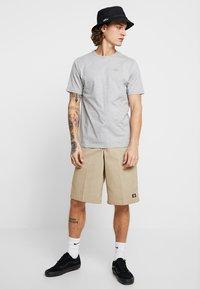 Dickies - STOCKDALE - T-shirt imprimé - grey melange - 1