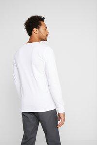 Dickies - SEIBERT 2 PACK - Top sdlouhým rukávem - white/black - 2