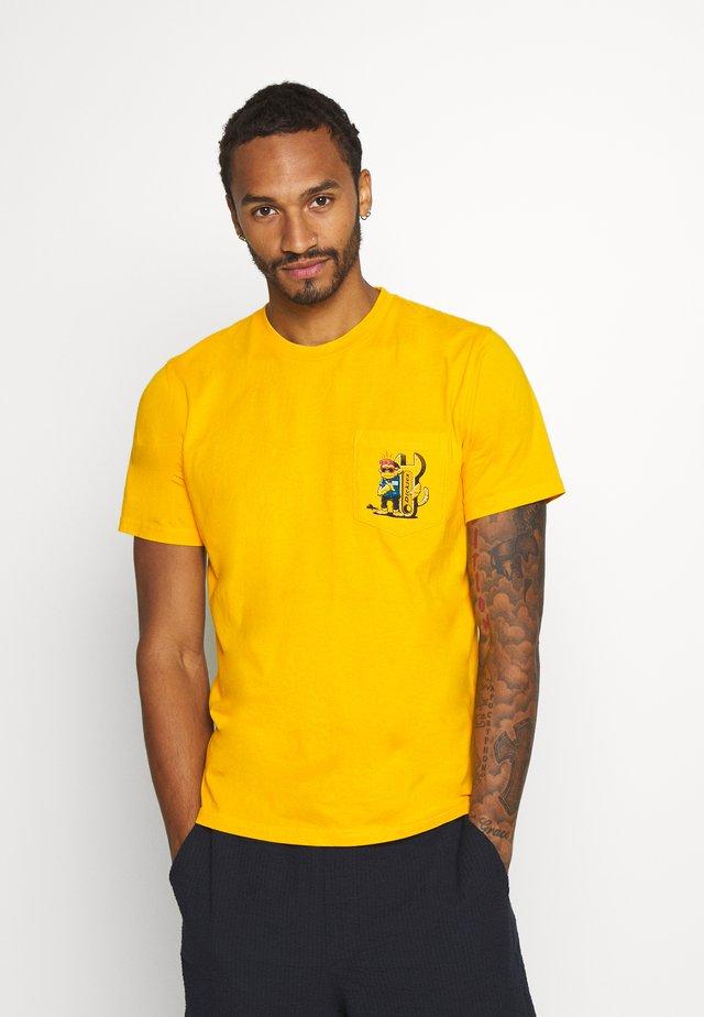 TARRYTOWN - Print T-shirt - spectra yellow