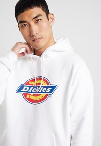 Dickies - SAN ANTONIO - Sweat à capuche - white - 5