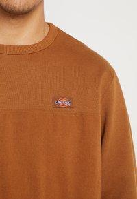 Dickies - FAIRVIEW - Sweatshirt - brown duck - 5