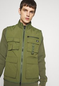 Dickies - STILLMORE - Liivi - army green