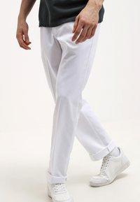Dickies - ORIGINAL 874 - Chino kalhoty - white - 3