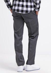 Dickies - 873 SLIM STRAIGHT WORK  - Chinot - charcoal grey - 2
