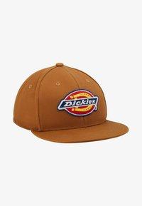 Dickies - MULDOON 5 PANEL CAP - Cap - brown duck - 1