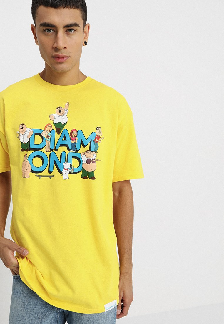 Diamond Supply Co. - FAMILY GUY TEE - Print T-shirt - yellow