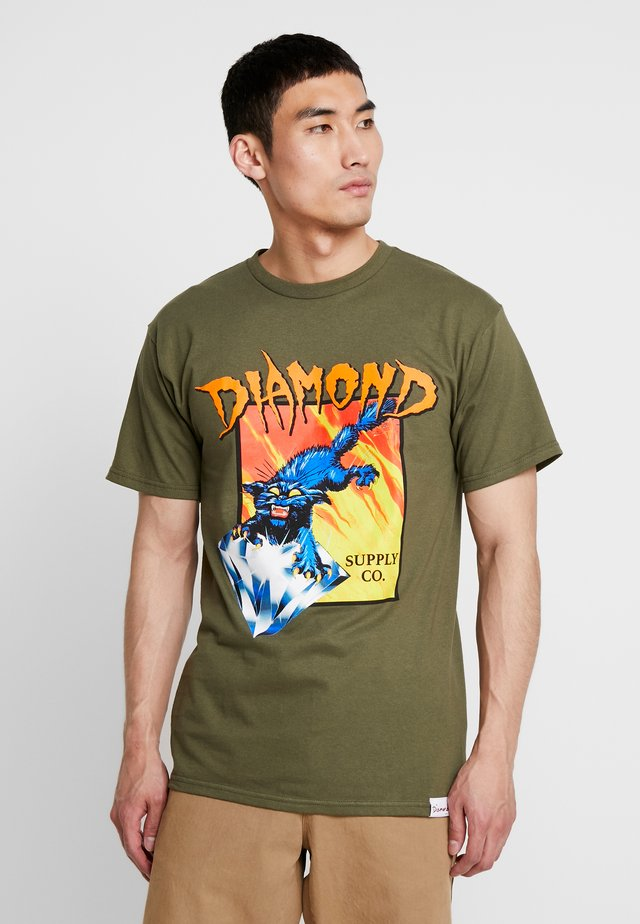GREED - T-shirt imprimé - military green