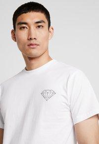 Diamond Supply Co. - BRILLIANT TEE - T-Shirt print - white - 3