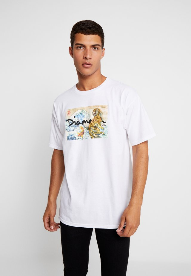 TIGER WAVE TEE  - T-shirt imprimé - white