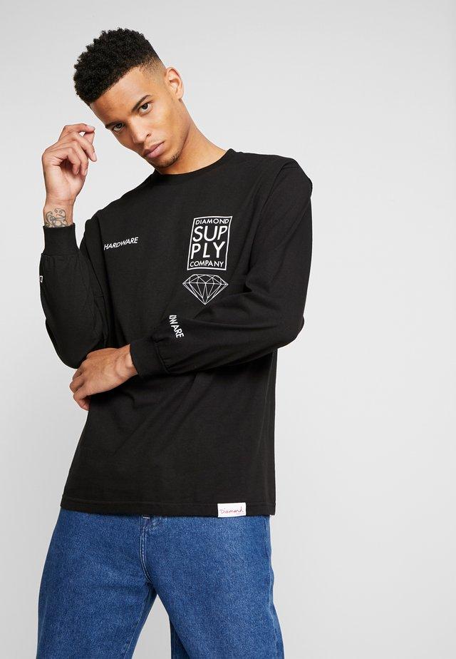 STACKED TYPE TEE - Langarmshirt - black