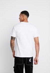 Diamond Supply Co. - WORLD GREATEST SHORT SLEEVE TEE - T-Shirt print - white - 2
