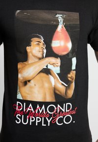 Diamond Supply Co. - WORLD GREATEST SHORT SLEEVE TEE - Triko spotiskem - black - 4