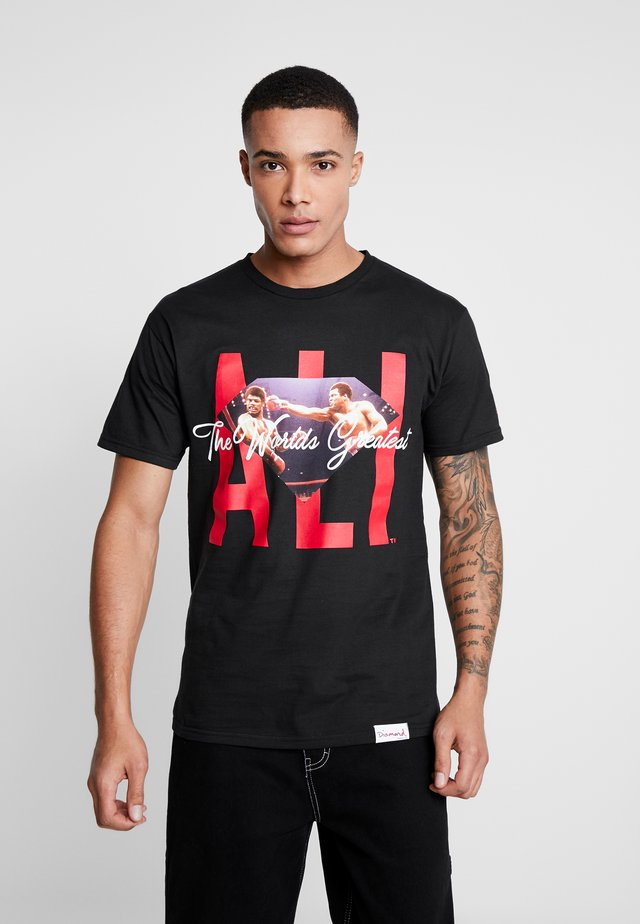ALI SIGN SHORT SLEEVE TEE - T-shirt z nadrukiem - black