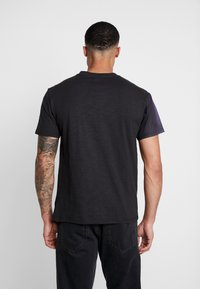 Diamond Supply Co. - THE CHAMP SHORTSLEEVE TEE - Triko s potiskem - black - 2