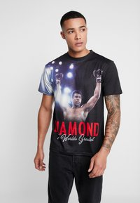 Diamond Supply Co. - THE CHAMP SHORTSLEEVE TEE - Triko s potiskem - black - 0