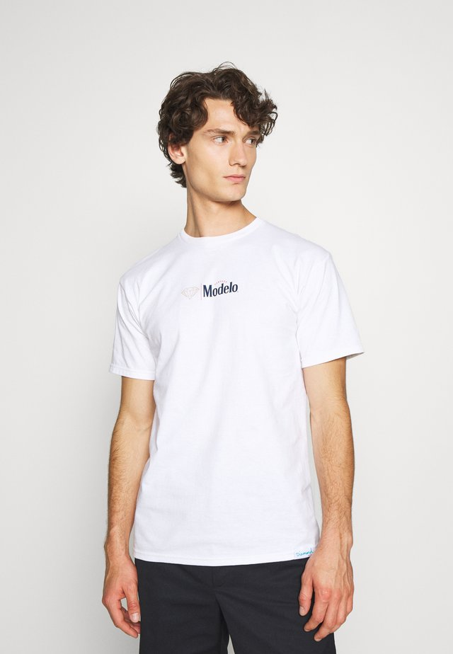 DIAMOND ESPECIAL TEE - T-shirts print - white