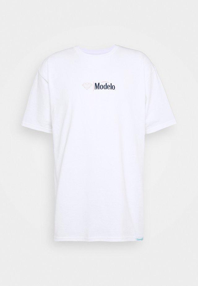 DIAMOND ESPECIAL TEE - T-shirt imprimé - white