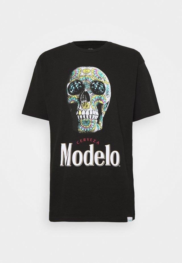 CALAVERA TEE - T-shirts med print - black