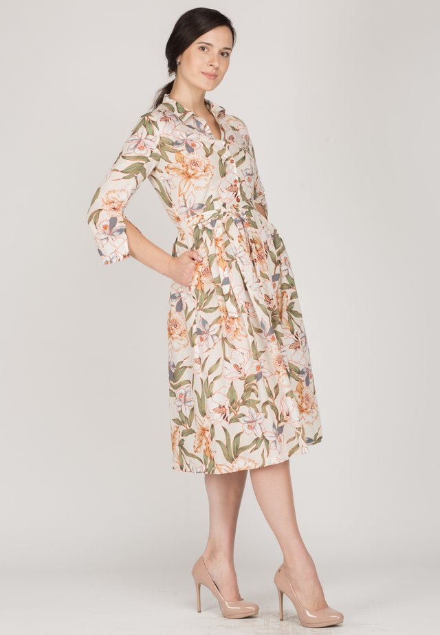 VIVAT - Shirt dress - flowers brown