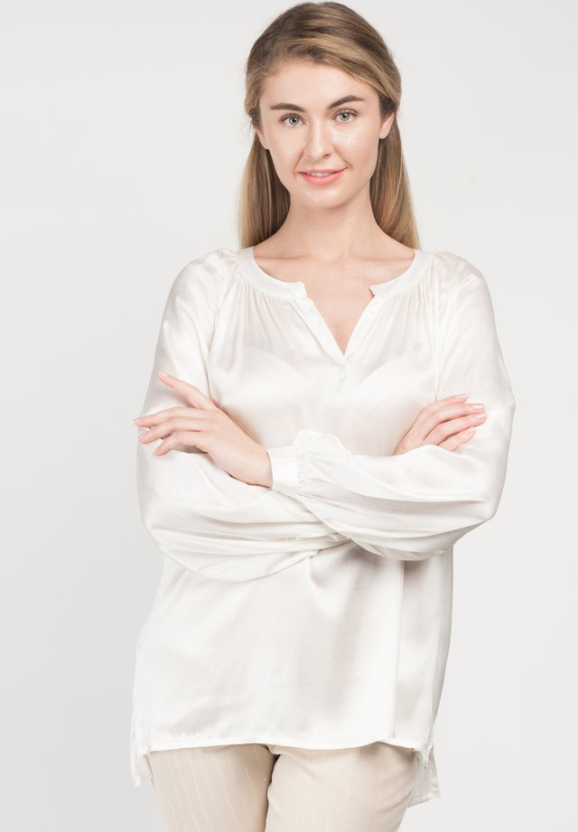 LAVITA - Blouse - cream