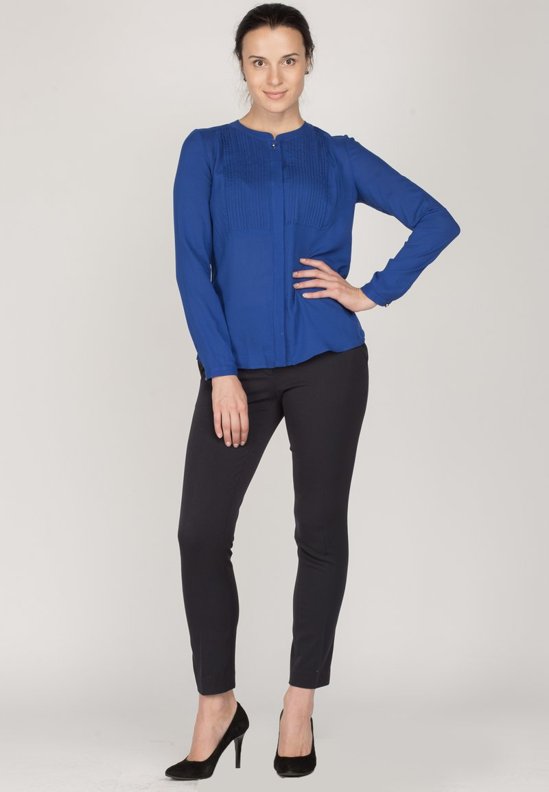 Diyas London - PLEATS - Blouse - blue