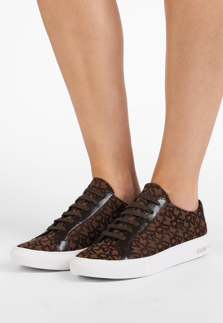 DKNY - COURT - Trainers - brown