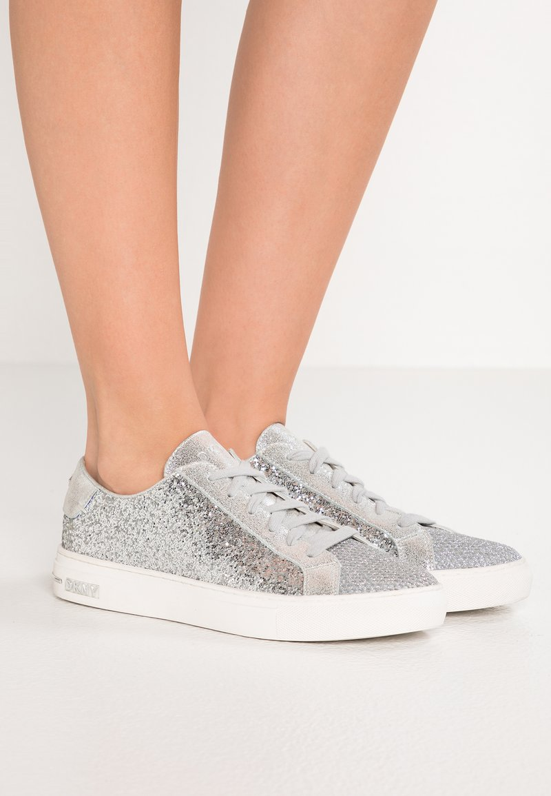 DKNY - COURT - Sneakers laag - silver