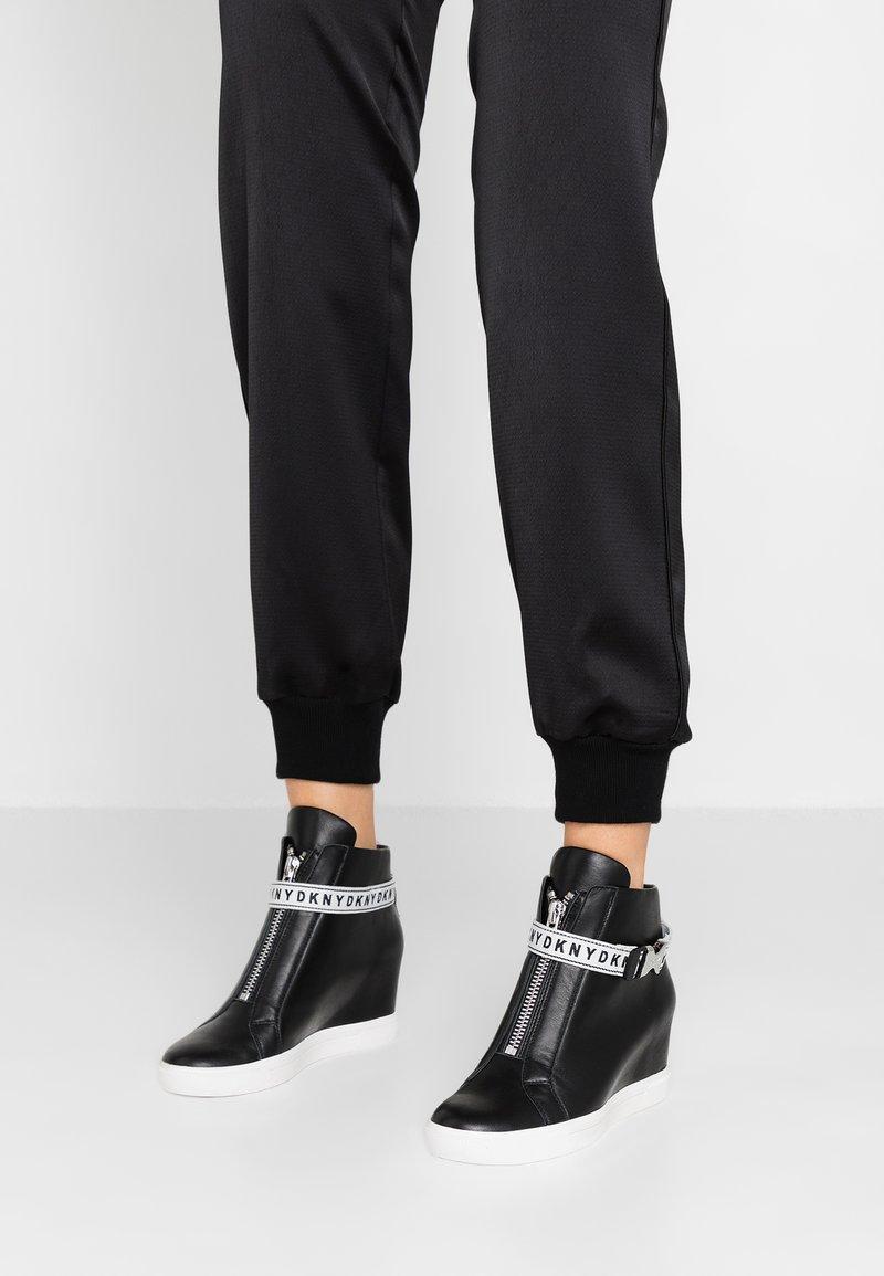 DKNY - CADDIE - Sneakers alte - black