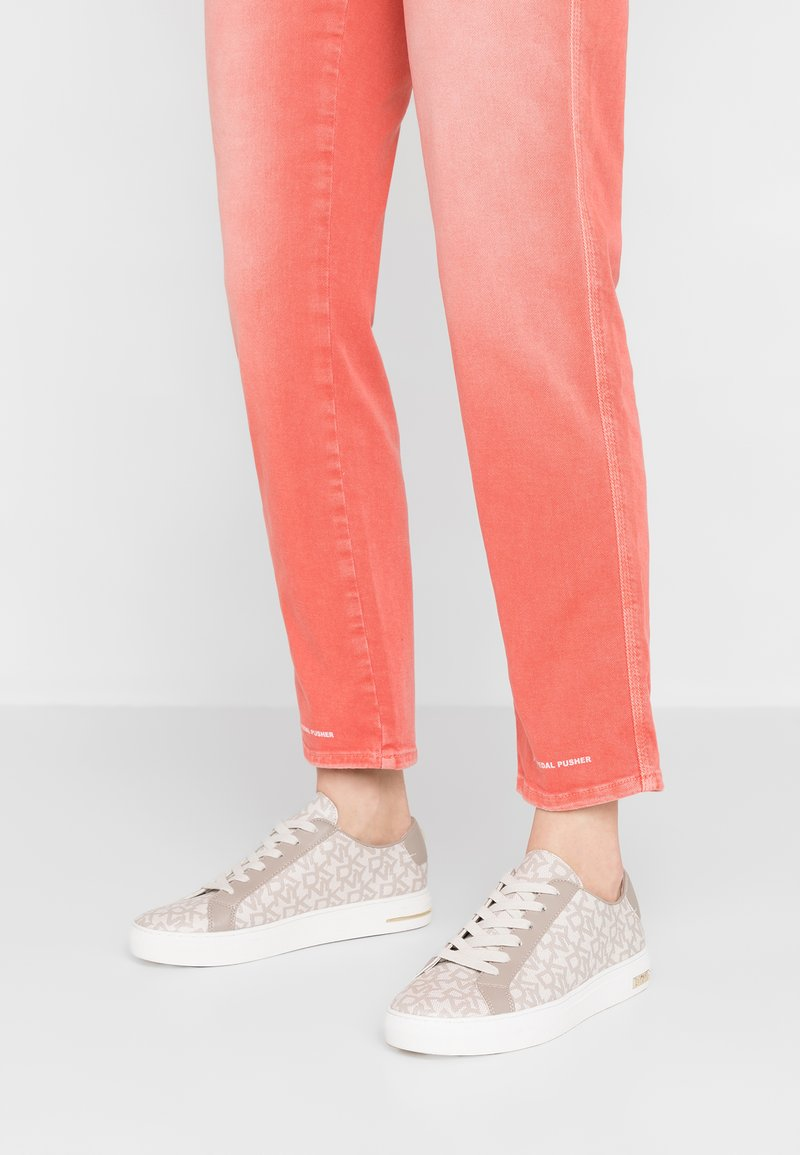 DKNY - COURT LACE UP - Sneakers - hemp