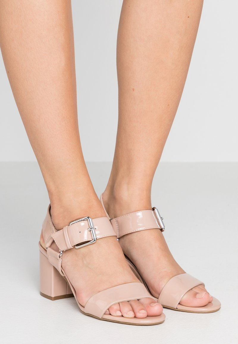 DKNY - SIERRA - Sandals - champagne