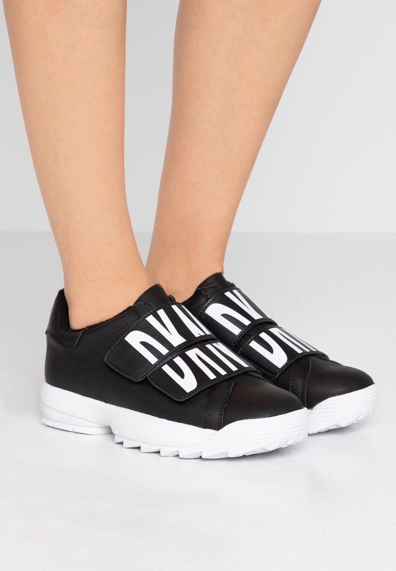 DKNY - DESSA - Sneakers laag - black