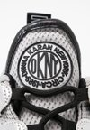 DKNY - LYNZIE  - Trainers - silver/black
