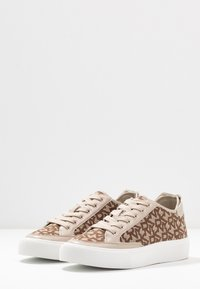 DKNY - REESA LACE UP - Sneaker low - chino - 4