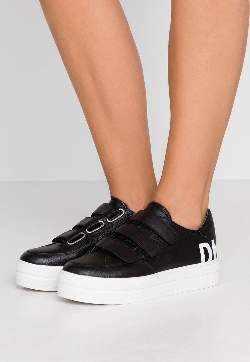 DKNY - SAVI  - Baskets basses - black/white