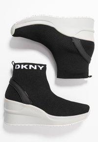 DKNY - LONDON WEDGE - Höga sneakers - black - 3