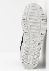 DKNY - LONDON WEDGE - Höga sneakers - black - 6