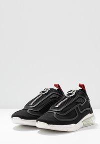 DKNY - NILLI ZIPPER - Sneakers - black - 4